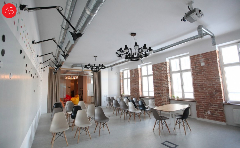 Czerwony jak cegła - projekt wnętrz powierzchni biurowej | Alina Badora, architekt wnętrz